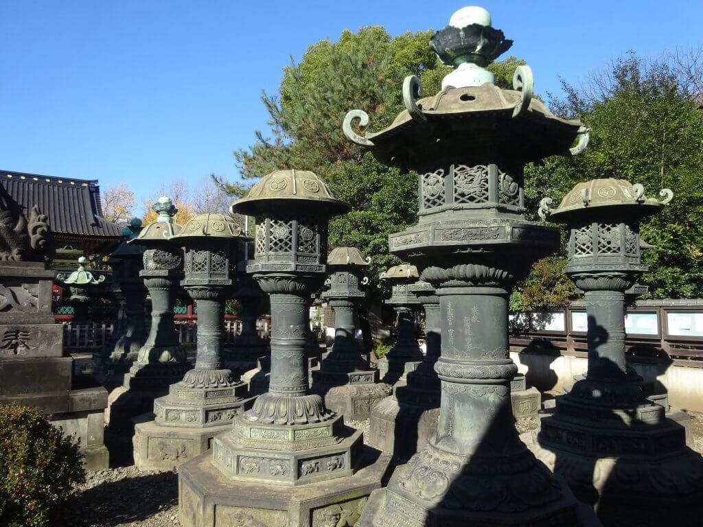 (写真)銅灯篭
