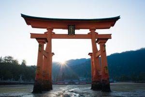 torii-1389085_1920